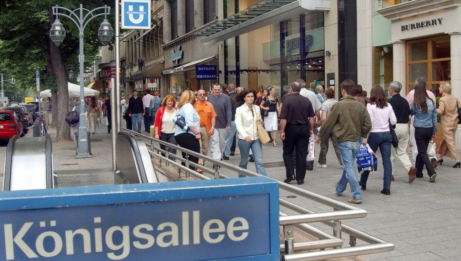 Einkaufsstraße in Düsseldorf: Deutschland ist zur Heimat vieler Migranten geworden