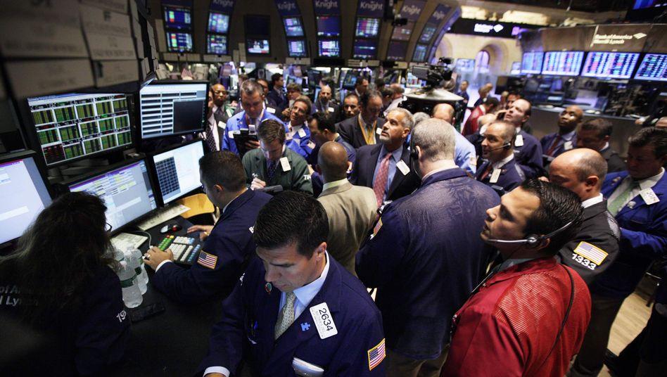 Hektik an der Börse: Anleger sollten sich nicht anstecken lassen - ein Hin und Her macht die Taschen leer