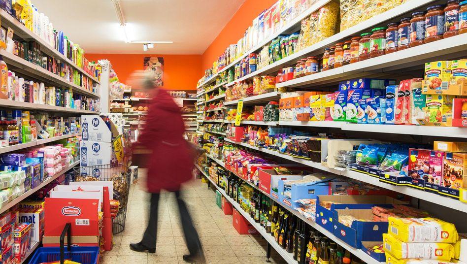 Einkauf im Supermarkt: Insgesamt kommen die Preise in Deutschland schon länger kaum vom Fleck.