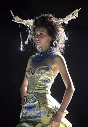 Rücksicht auf Entwicklungsländer: Model mit chinesischer Mode