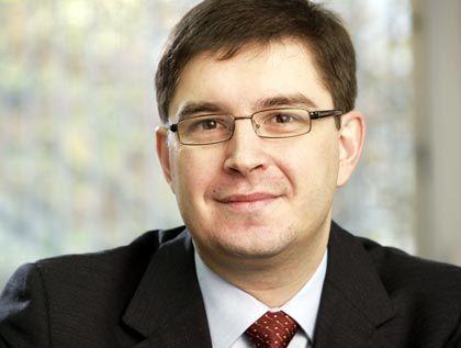 Konstantin Korotov ist Associate Professor an der ESMT. Bevor er zur ESMT stieß arbeitete Konstantin Korotov unter anderem als Research Fellow und Executive Coach am INSEAD Global Leadership Center, als Director of Professional Development für Ernst & Young in Moskau und als Researcher und Consultant an der New York University