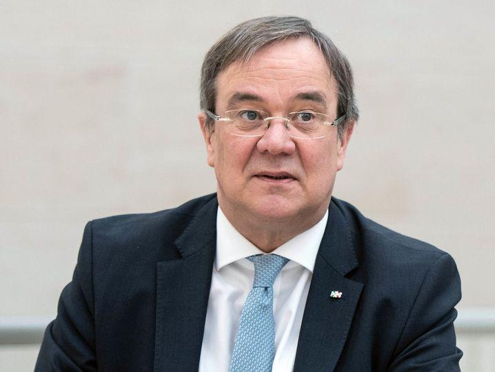 Die Regierung von NRW unter Ministerpräsident Armin Laschet (CDU) arbeitet an einem Notstandsgesetz, das dem Land mit weitreichenden Kompetenzen einräumt