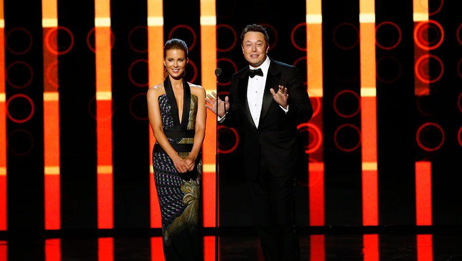 """Elon Musk (mit Schauspielerin Kate Beckinsale): """"Das war knapp"""""""