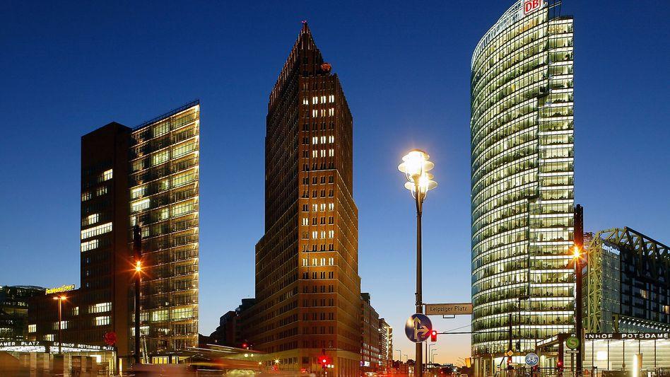 Potsdamer Platz: Viel Hochglanz, viele Büros - und viele Investoren. Das treibt die Preise