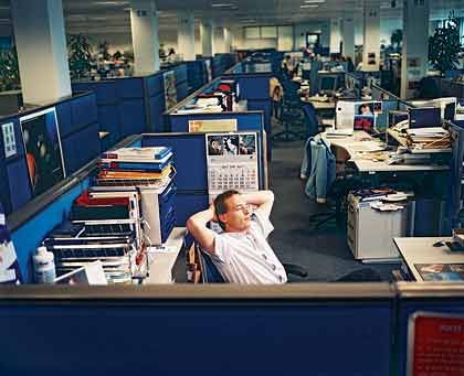 Stephan Batteux, der Auszeiter: Der Leiter des europäischen Papierbereichs des US-IT-Konzerns Hewlett-Packard sorgte innerhalb seines Unternehmens für Furore, als er im April 2004 eine viermonatige Auszeit nahm. Batteux zeigte Kollegen und Vorgesetzten, dass der Ausstieg auf Zeit auch auf Managementebene klappen kann. Gärtnern gehörte zu den Beschäftigungen, die er während seines Sabbaticals pflegte.
