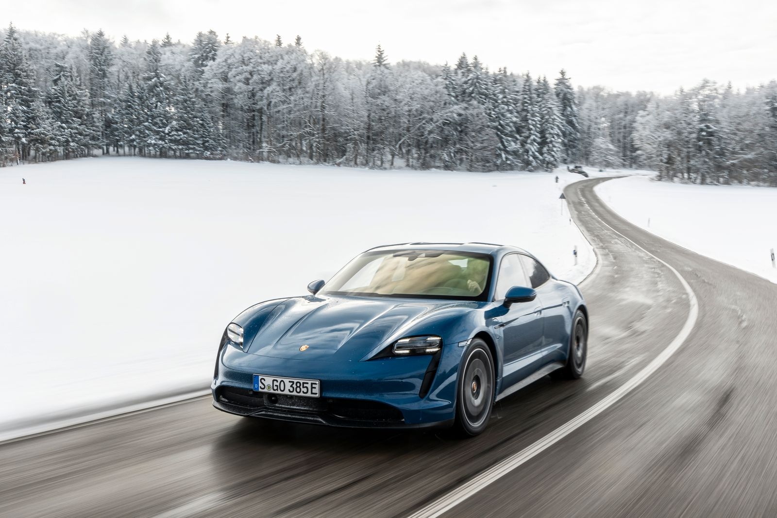 Porsche Taycan mit Performance-Batterie Plus, 2021