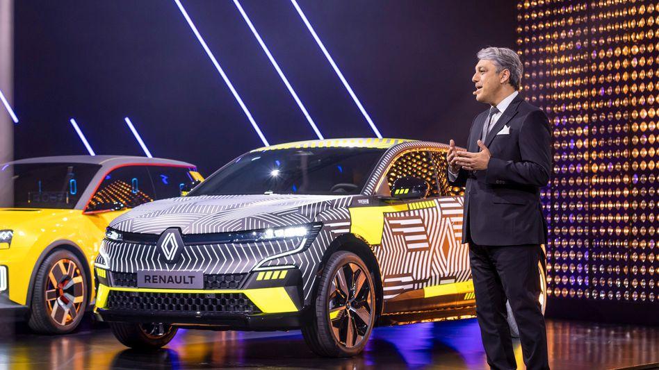 """Ehemals VW-Manager, jetzt Renault-Chef: Luca de Meo hat im ersten Halbjahr die Ziele seiner """"Renaulution"""" übertroffen (Archivbild)"""