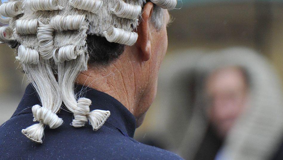 Britischer Richter mit Perücke: Seine irischen Kollegen können auf den Kopfschmuck künftig verzichten
