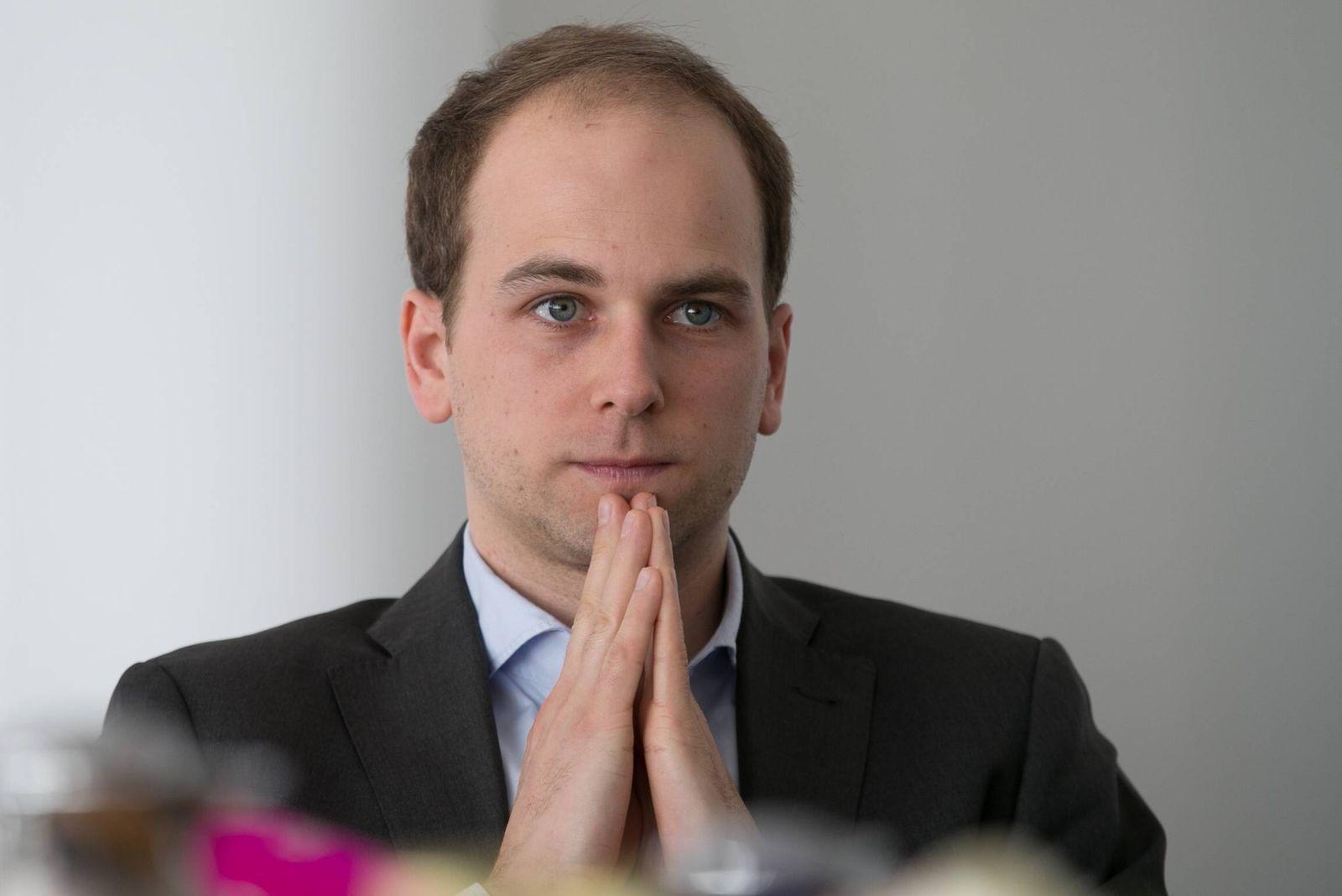 Raoul Rossmann Einkauf und Marketing spricht am 06 04 2016 wŠhrend der Jahrespressekonferenz in de