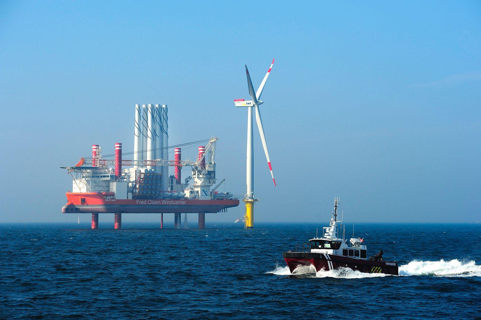 Erste Anlage im Offshore-Windpark Riffgat steht
