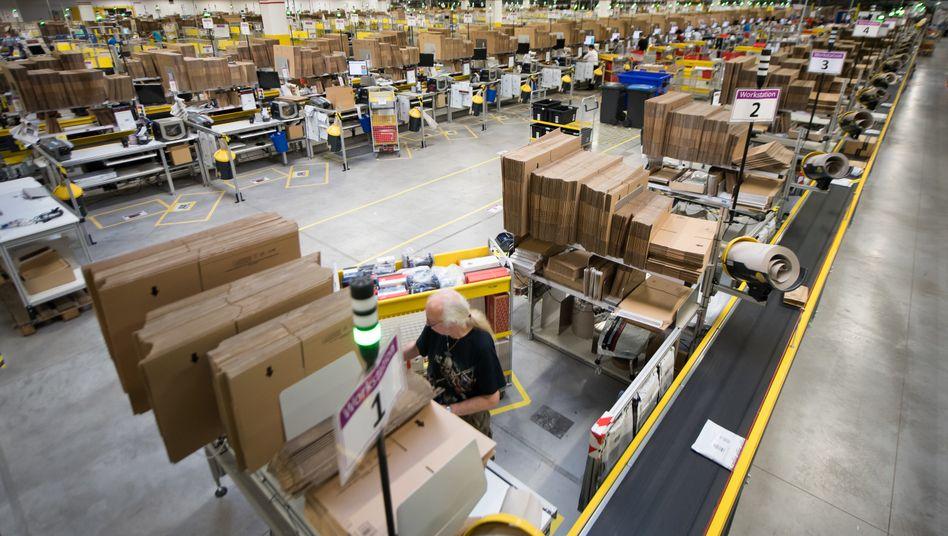 Bester Arbeitgeber der Welt? Blick in Amazons Versandzentrum in Bad Hersfeld