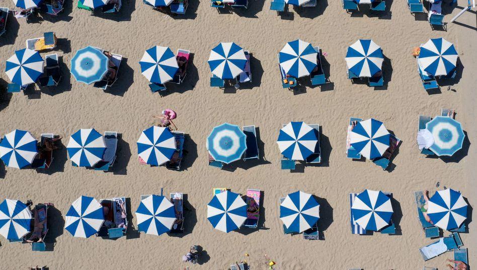 Sehnsuchtsort: Strandszene an der Adria.