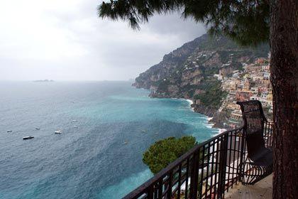 Prachtstraße: Amalfis Küste bietet immer wieder atemberaubende Ausblicke