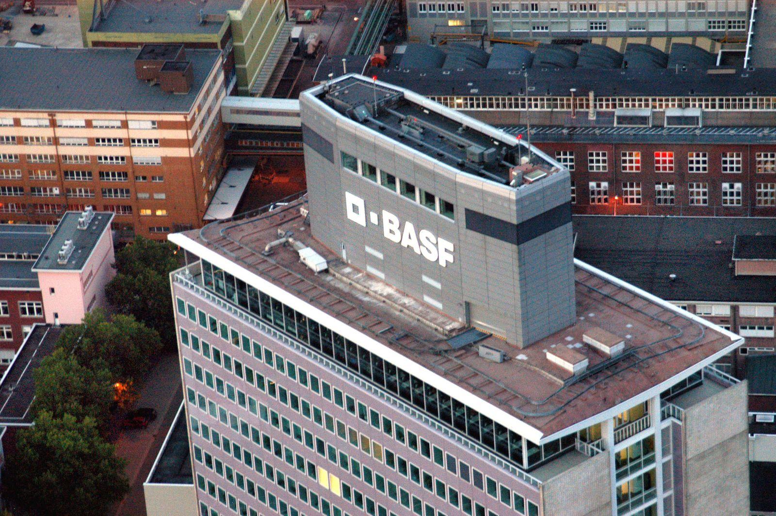 BASF/ BASF-Hochhaus/Ludwigshafen