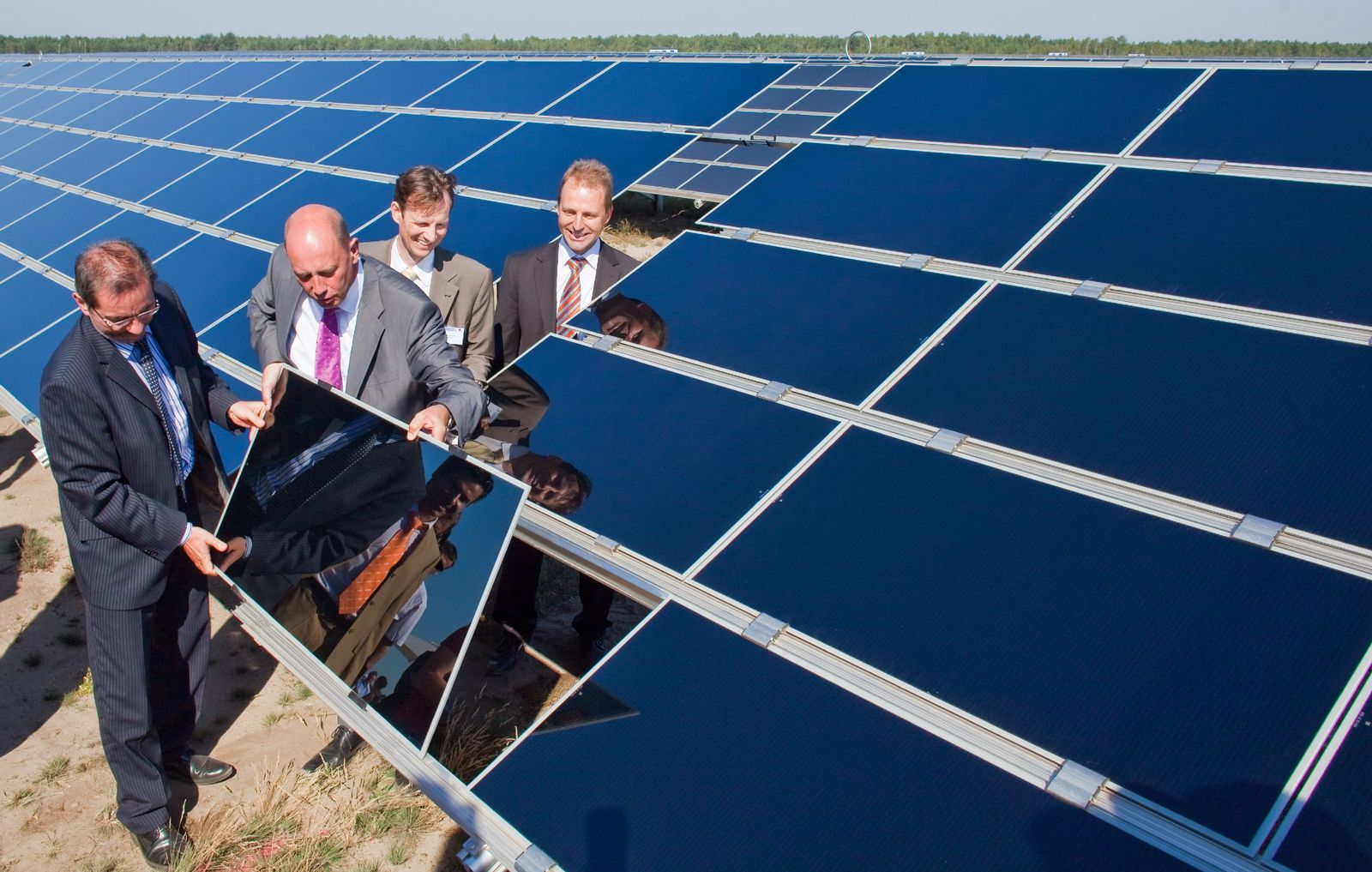 Größtes deutsches Solarkraftwerk geht ans Netz