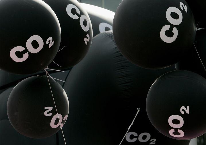 Kohlendioxid-Ballons auf dem jährlichen Freudenfest der deutschen CO2-Branche: Das Gas hat sich vom Klimakiller zum bedeutenden Rohstoff weiterentwickelt