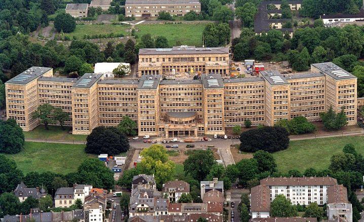 """IG-Farben-Haus: Wo der """"Rat der Götter"""" tagte, sitzt jetzt ein Teil der Frankfurter Universität"""