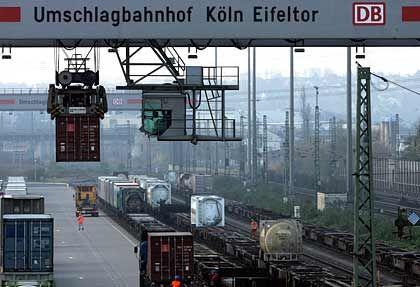 Güter rollen auch morgen über die Schiene: Lokführergewerkschaft und Deutsche Bahn treffen sich zum Spitzengespräch
