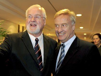 Geteiltes Leid: Die Regierungschefs von Schleswig-Holstein (Peter Harry Carstensen, l.) und Hamburg (Ole von Beust)