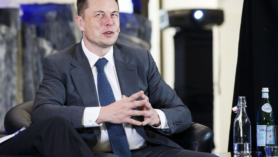 """thx 4 hard work prepping 4 today em"" - schreibt so Elon Musk?"