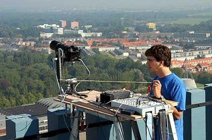 Aufbau der Apparatur: Das Fotografieren der 600 Einzelbilder dauerte eine Stunde und 15 Minuten