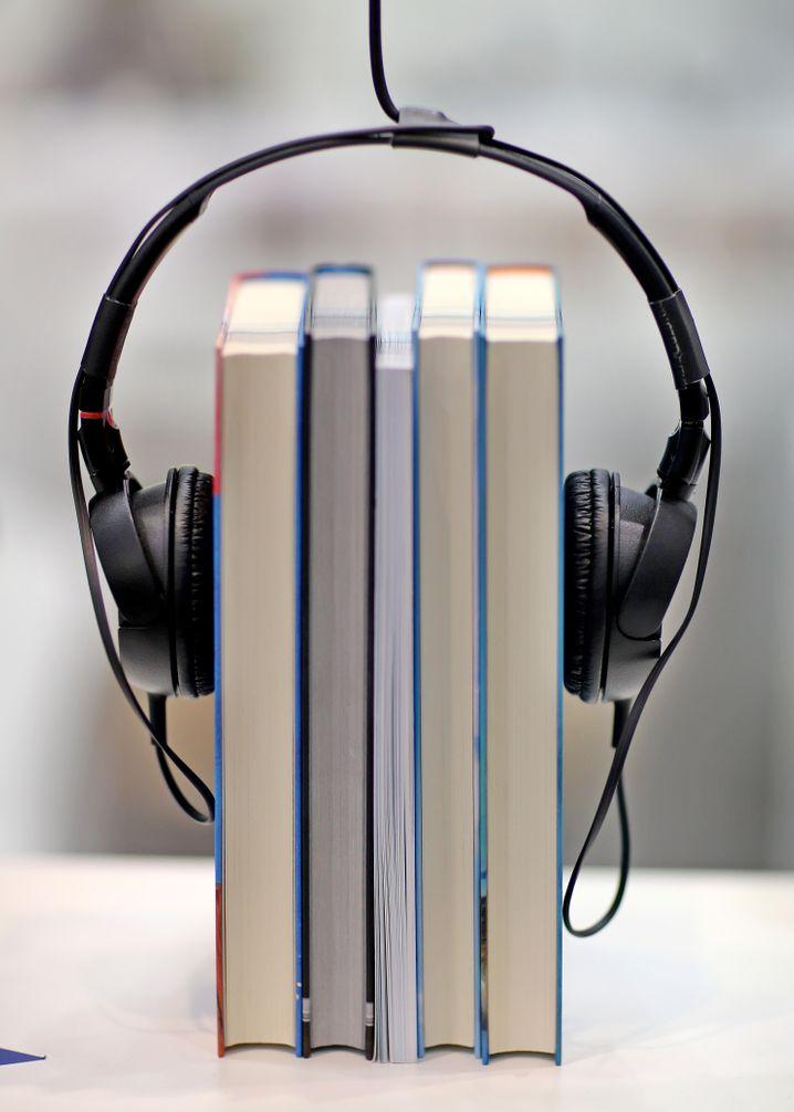 Hörbücher können Ihren Horizont erweitern (außerdem übertönen sie nervige Mitreisende)