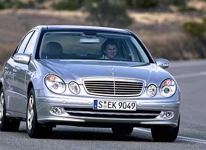 Nicht für jeden als Zugabe vorgesehen: Typischer Dienstwagen E-Klasse von Mercedes-Benz