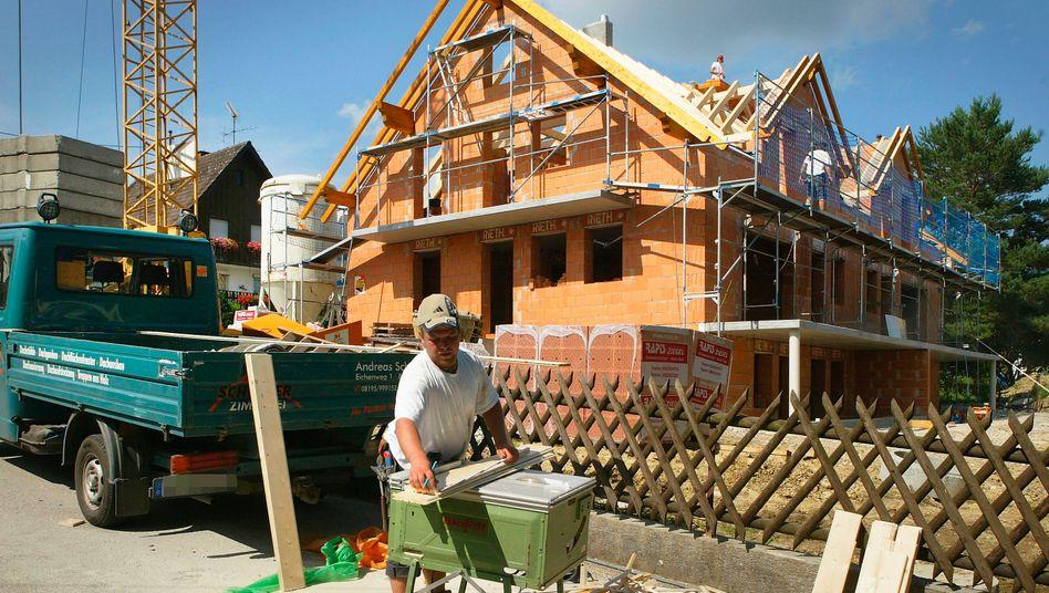 Hausbau: Noch sind die Zinsen günstig