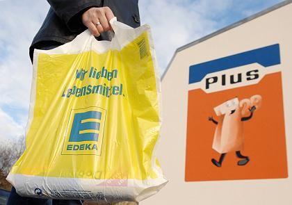 Mehr Jobs: Nach der Übernahme von 2340 Plus-Filialen will Edeka Tausende neue Stellen schaffen.