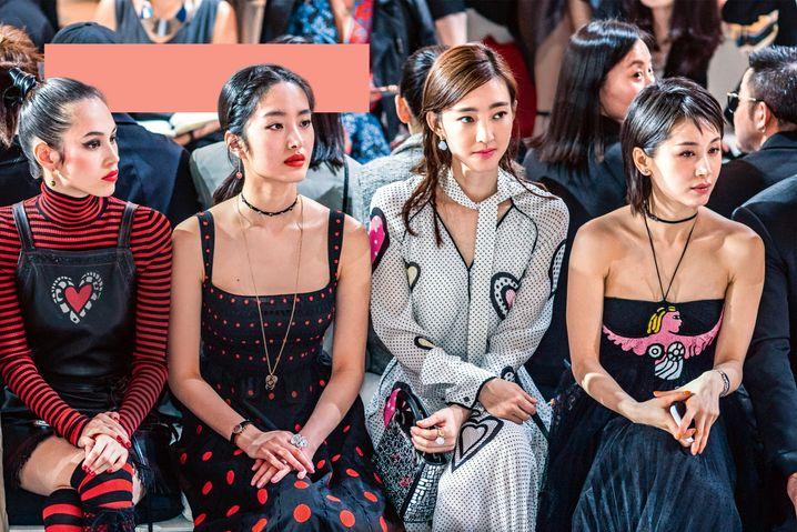 Trendsetterinnen in Shanghai: Ein Model, eine Influencerin und zwei Schauspielerinnen bei einer Dior-Show