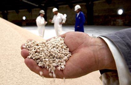 Kraftstoff für den Acker: Kalisalzgranulat ist neben Stickstoff eines der wichtigsten Düngemittel