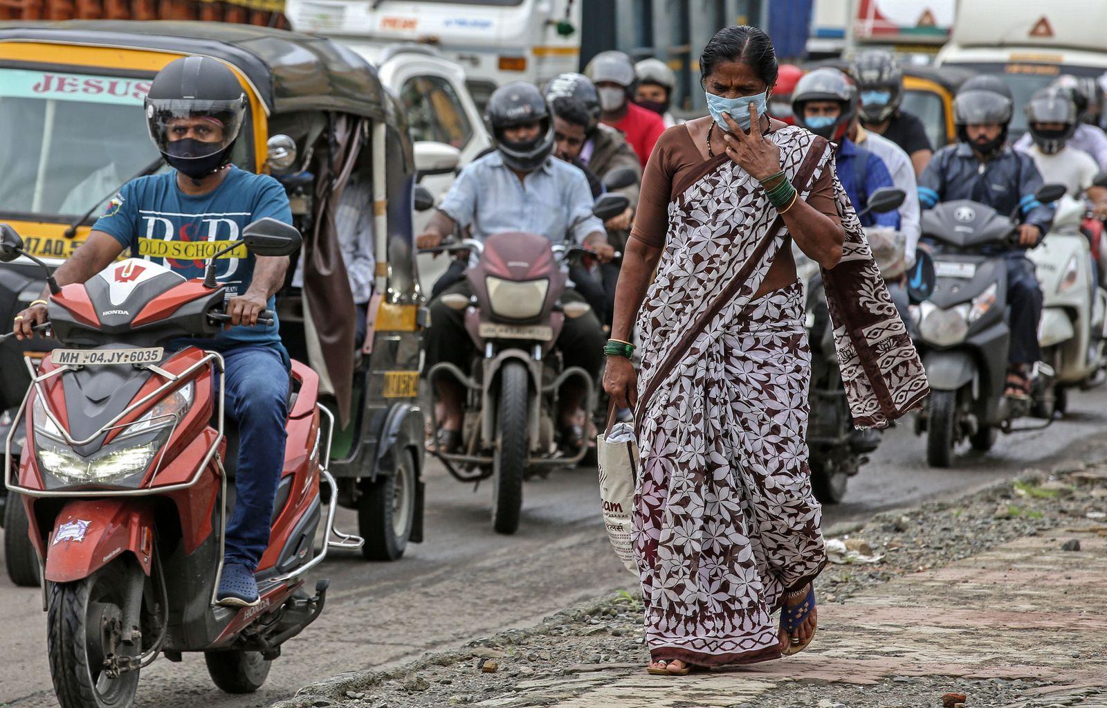Indian crossed three million coronavirus cases so far, Mumbai, India - 31 Aug 2020