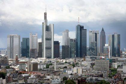 Bankenviertel in Frankfurt/Main: Mögliche Kreditklemme setzt Geldhäuser unter Druck