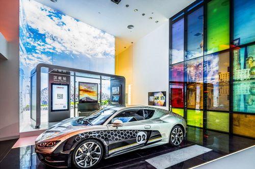 So sieht die Welt aus, wenn Hanergy auch jenseits der Börse Erfolg hat: Dünnschicht-Solarzellen können sich beispielsweise an Autokarosserien schmiegen