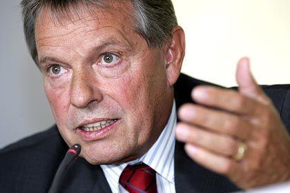 Beschwerde erfolglos: Ex-Betriebsratschef Volkert muss vorerst im Gefängnis bleiben