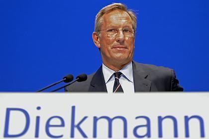 Zugeknöpft: Während seiner Rede sagte Konzernlenker Diekmann wenig über die Zukunft der Dresdner Bank
