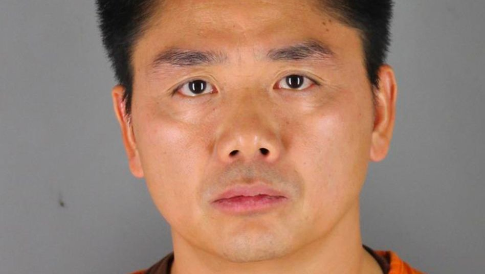 Vorwürfe gegen den Amazon-Konkurrenten: JD.com-Chef Richard Liu wurde kurzzeitig in den USA festgenommen, dann aber wieder freigelassen. Inzwischen ist er nach China zurückgekehrt