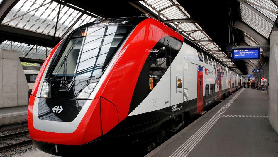 """Doppelstockzug """"Ville de Geneve"""" von Bombardier"""