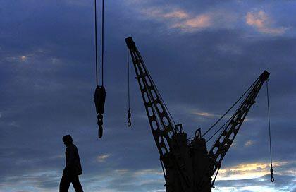 Hafenarbeiter: Die Konjunkturaussichten trüben sich ein