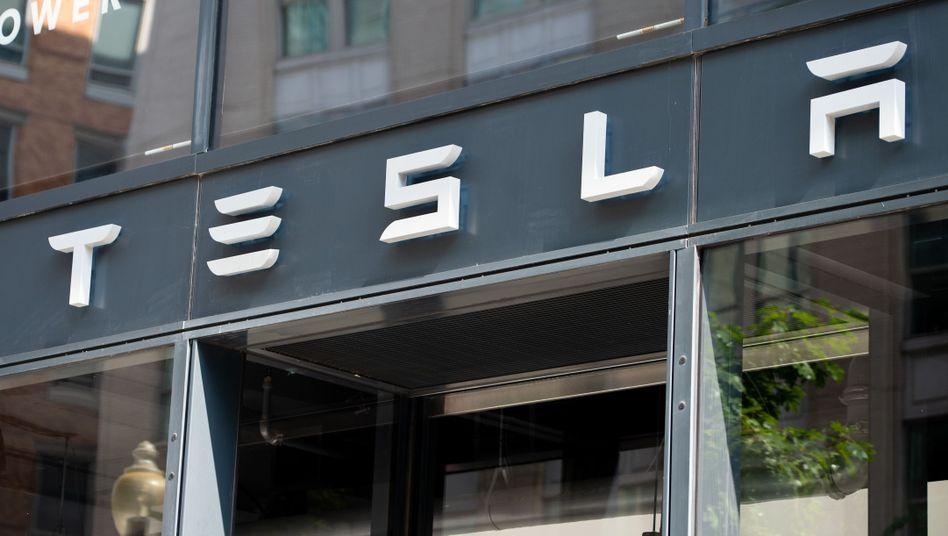 Tesla-Filiale in Washington DC: Für den Börsenrückzug braucht Tesla-Chef Elon Musk rund 82 Milliarden Dollar