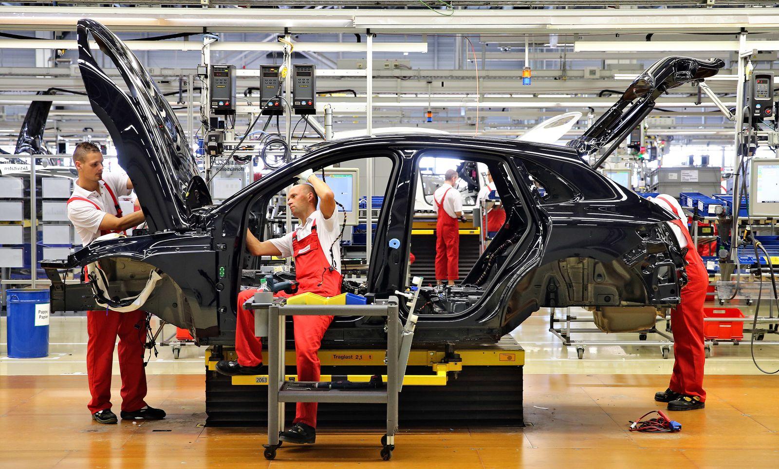 Auto-Industrie / Mitarbeiter / Produktion / Porsche-Werk Leipzig