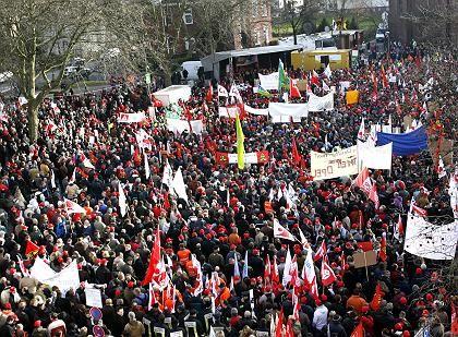 Frust: Im Januar protestierten tausende Nokia-Mitarbeiter gegen die Werkschließung in Bochum