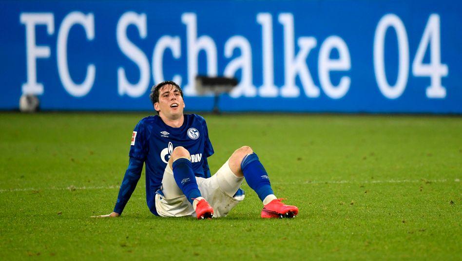 Sportlich wie wirtschaftlich angeschlagen: Der FC Schalke 04, hier Juan Miranda (als Leihspieler mittlerweile zurück beim FC Barcelona)