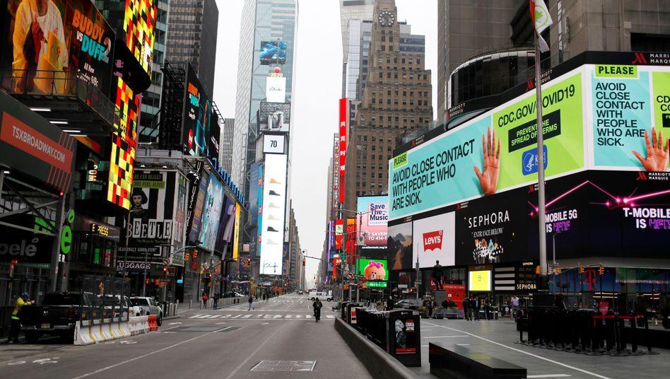 Times Square in New York: Eine Stadt steht still