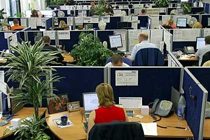 Höhere Löhne: Experten rechnen mit kräftigen Gehaltssteigerungen in 2008