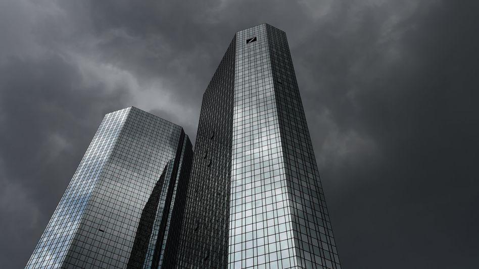 Deutsche Bank: Seit Jahren im Kursgewitter