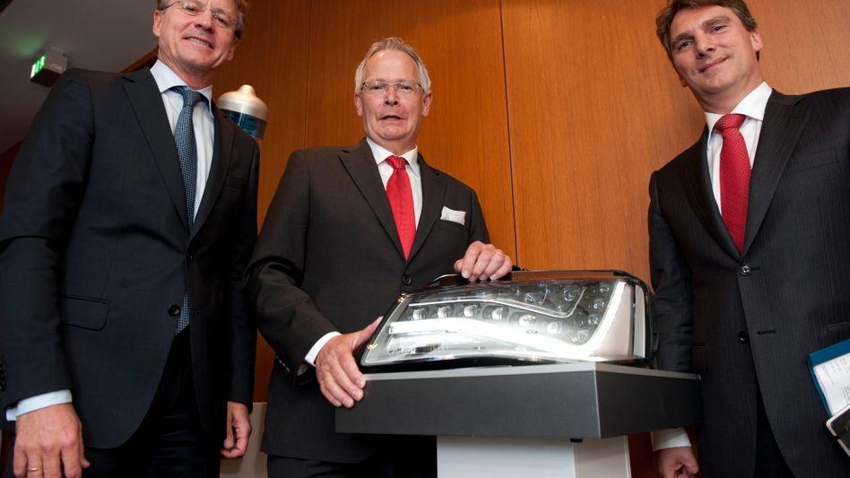 """Osram-Chef Wolfgang Dehen (M.) mit den Vorständen Martin Goetzeler (l.) und Klaus Patzak: """"Für Osram das Leben in Selbständigkeit mitgestalten"""""""