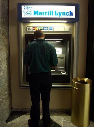 Geldautomat: Geld drucken darf auch Merrill Lynch noch nicht. Doch gute Verbindungen während des weltweiten M&A Booms sind fast ebensoviel wert