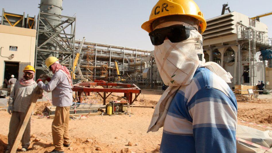 Öl-Arbeiter von Saudi Aramco: Der Konzern startet offenbar einen zweiten Versuch, an die Börse zu gehen