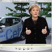 """Bundeskanzlerin Merkel (hier in einem Podcast aus dem Jahr 2007): """"Wir lehnen es ab, dass ohne jeden urheberrechtlichen Schutz die Bücher einfach eingescannt werden"""""""